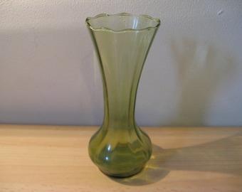 For sale a crystal Biedermeier antique green vase, ca. 1890!