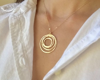 Gold Round Pendant Necklace- Gold Necklace, Geometric Necklace, Modern Necklace, Simple Necklace, Dainty Necklace, Circle Pendant