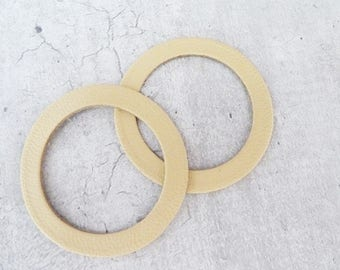 2 rings leather thin yellow pale, 4,2 cm diameter
