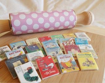 12 Mini Assorted Toppers - Marshmallow Fondant Children's Books