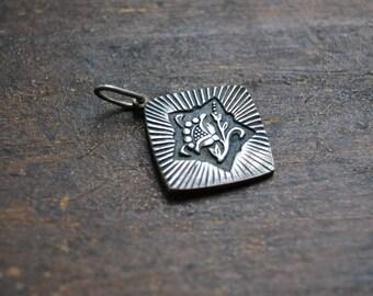 Vintage Sterling Silver Pendant, Vintage silver flower pendant, Vintage silver jewelry, sterling silver flower charm