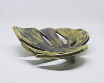 Ceramic soap dish, monstrera soap dish