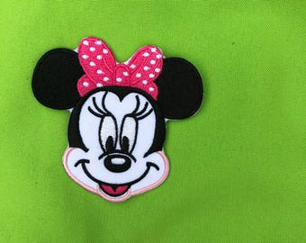 Embroder Aplique Minnie Mouse.