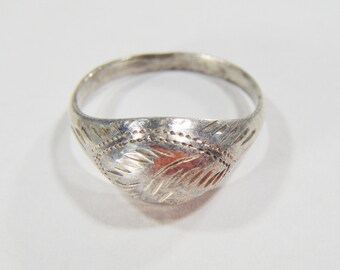 Vintage 925 Silver Ring Size 5.5