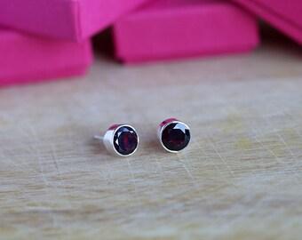 925 Sterling silver stud earrings with 8 mm faceted Garnet gemstones
