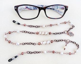 Kupfer, Brillenkette, Brillen-Kette, Howlith, Knochen, von Hand umwickelt, weiß, Hamsa, handgemacht, Geschenk für sie, Geschenk für Crafter, Lehrer-Geschenk