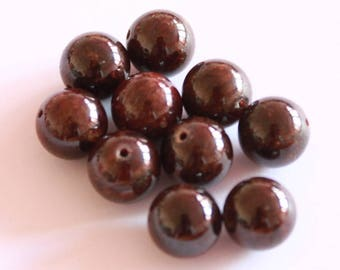 Black 10 mm, set of 6 red Garnet stone beads