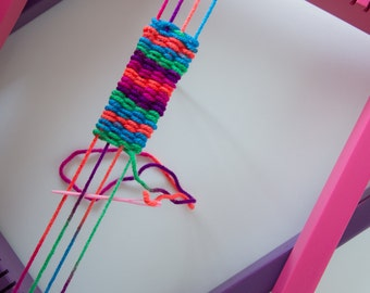 Kid's Weaving Loom Kit With Pink Loom