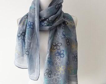 foulard stylized flowers