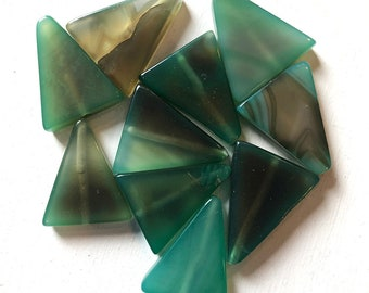 24 x 24 x 22mm Green Triangle Agate Beads