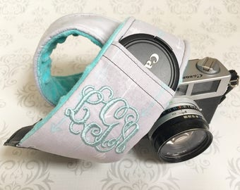 Embroidered DSLR Camera Strap, Padded, Lens Cap Pocket, Nikon, Canon, DSLR Photography, Photographer Gift - Aqua Arrows with Aqua