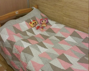 Modern quilt, HANDMADE, Throw quilt, Baby Girl quilt, Ready to ship quilt