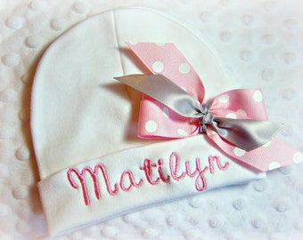 Personalized newborn hat with bow, personalized infant hat bow, baby girl name beanie, baby girl hospital beanie, newborn hospital beanie