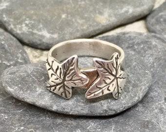 Silver leaf ring, Leaf ring silver, Leaf ring sterling silver, Leaf ring, One of a Kind ring, Silver nature ring, Leaf band ring