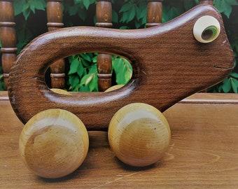 Vintage Holz Frosch Spielzeug auf Rädern