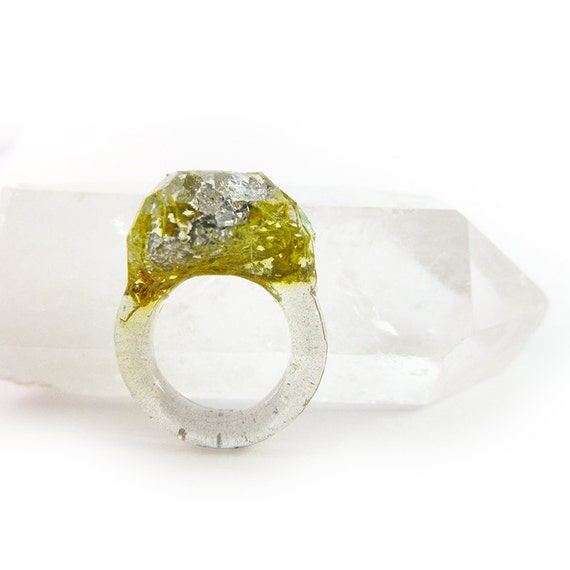 Terrarium + Silver Leaf Resin Ring • Size 7.5
