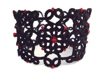 Gothic Tatted Lace Cuff - Lizzie