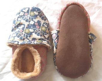 Baby shoes child filled, T 26, trees and flowers pattern