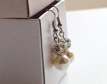 Pearl earrings, bridal earrings, wedding earrings, bridesmaid earrings, bridesmaid gift, pearl and rhinestone