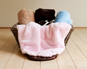 Toddlers Super Warm and Ultra Soft Blanket,  made with a plush cuddle fabric that your toddler will love for a long time