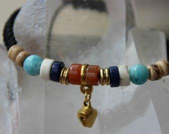 Jasper bracelet with lapis beads