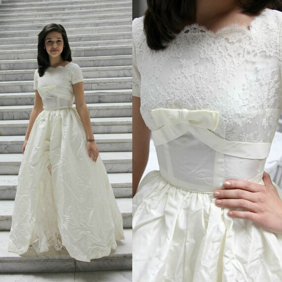 1950\'s Grace Kelly Wedding Gown Princess Cut Vintage