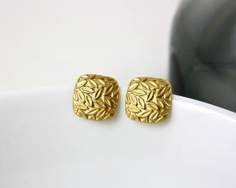 Flurry - gold plated ear studs A35