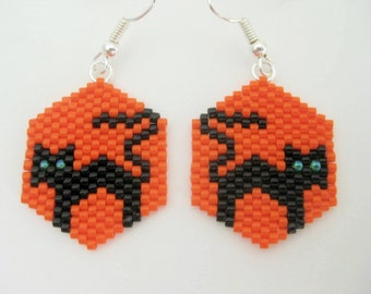 Halloween Earrings / Black Cat Earrings / Peyote Earrings / Beaded Earrings / Seed Bead Earrings in Orange and Black / Sterling Silver