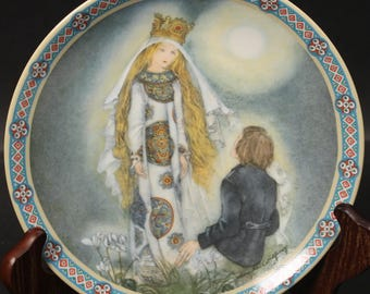 Bradford Exchange Plate by the Artisit Sulamith Wulfing.  'Since I First Saw Him'.  (CGP-8018)