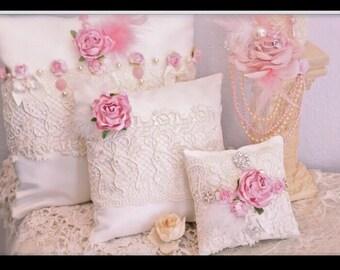 Vintage pillows set