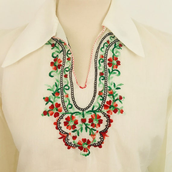 Vintage embroidered blouse, peasant blouse,  Hungarian, embroidery, bohemian, 10 12, stitched shirt, floral, folk, 1940s style, 70s does 40s