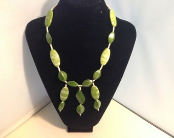 Green beaded necklace 68