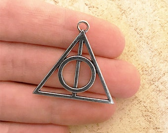 1 or 6 Harry Potter Deathly Hallows Triangle Charm Pendants 32 x 31 mm Antiqued Silver Tone Double Sided