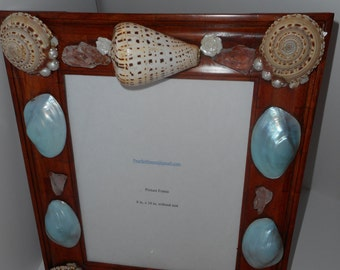 F-024 Lifes Seascape Frame Sundial Seashells and Blue Waters Polished Pearl Clams