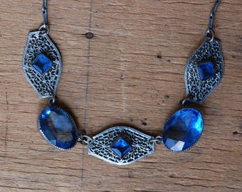 Vintage Art Deco 1930s blue glass filigree necklace