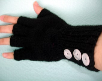 Custom knitted fingerless gloves with 3 buttons