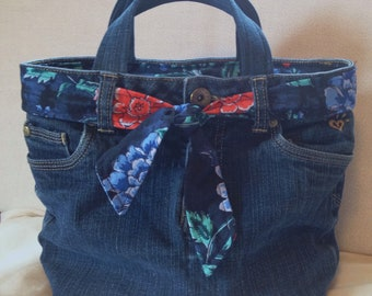 Upcycled Justice Jeans Lunch Bag/Lunch Tote/Insulated Cooler/Recessed Zipper/Floral Fabric