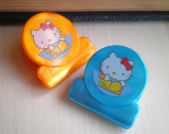 Vintage Kawaii 1977 Hello Kitty Sanrio Plastic Paper Clip Set - Retro 70s Cat Paper Clips Birthday Gift - Collectible Office / School Supply