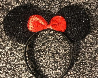 Minnie Mouse ear headband black and red