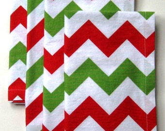 Christmas Napkins - Red & Green Napkins - Cloth Napkins - Holiday Napkins - Set of 4  - 18 Inches Square