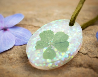 Five Leaf Clover Pendant In Resin - Oval - Suede String - Handmade