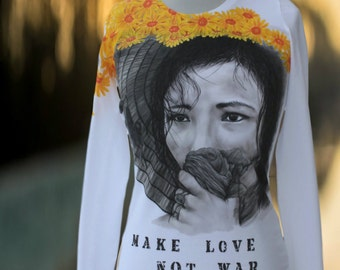 Hand-painted T-shirt,Make love not war,daisy,hand made t shirt,gift for woman,paint,painting,original,unique t shirt,ready to ship