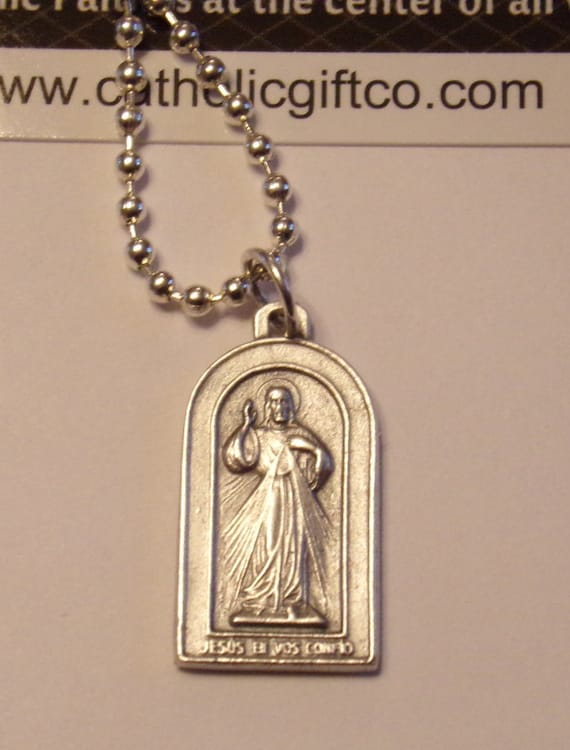 Divine Mercy Medal Pendant in antique silver with 18 inch ball chain - St Faustina Jesus - spanish Jesus en vos confio- Jesus I Trust in you