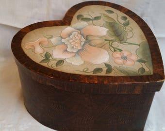 Jacobean Heart-Shaped Box