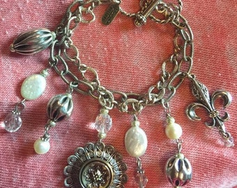 Grandmothers Buttons Bracelet New Anthropologie