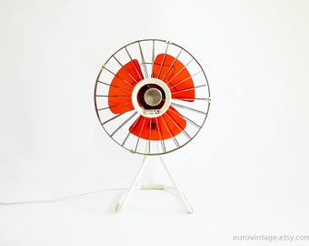Vintage Electric Fan Transparent Red Plastic Blades / Chrome Metal Cage