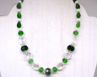 Emerald Green Necklace, Green Choker, Glass Pearl Necklace, Kelly Green Necklace, Glass Bead Necklace Handmade, 17in, Can Be Lengthened