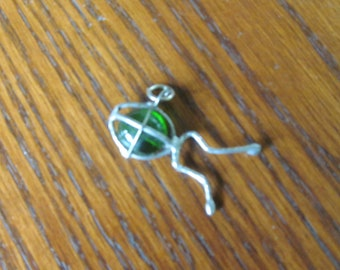 Groovy Green Frog Pendant Gypsy Hippie Jewelry 1970s Jewelry Emerald Green Glass Hoppy Toad Frog Charm Frog Necklace Pendant Fertility Charm