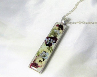 Pressed Flowers in  Resin, Real Flower Jewelry, Pressed Flower Necklace, Silver plated Pewter (3131)