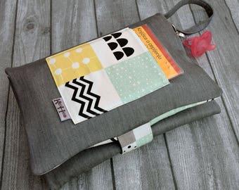 Travel changing bag